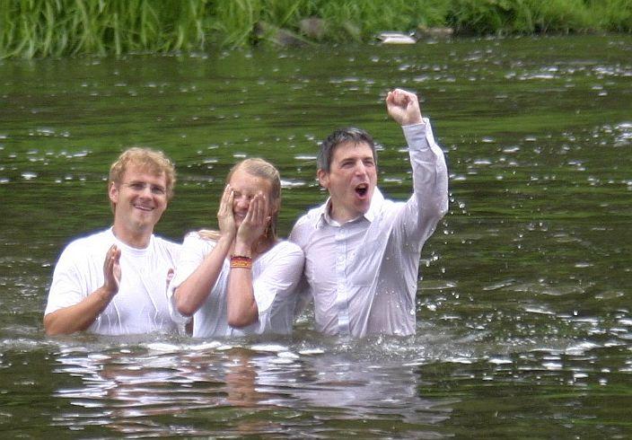 Taufe in der Lahn